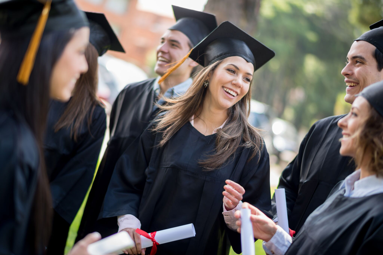 6 Job Application Tips for December Graduates