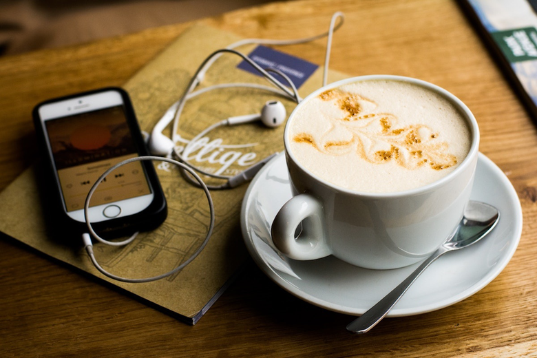 8 Podcasts for Students Going Through the Admissions Process