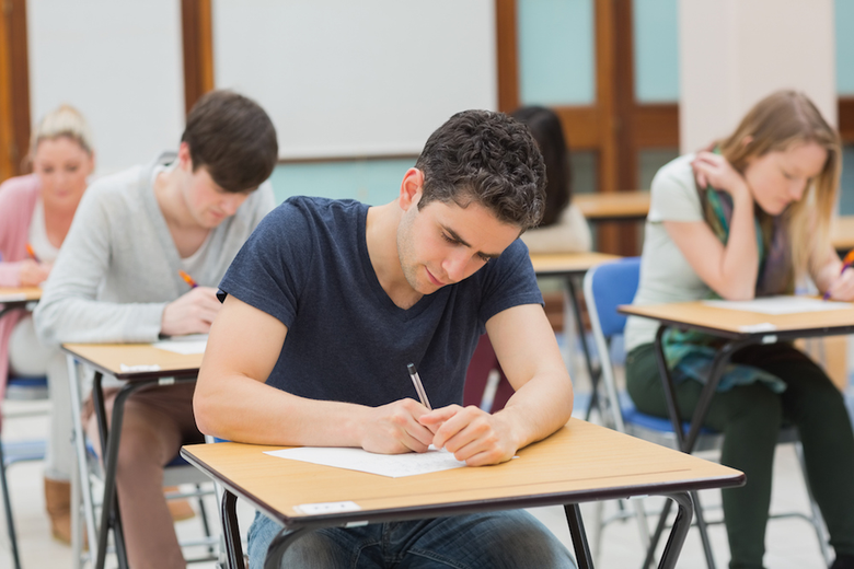 Graduating in May? Find Out When You Should Take Grad School Exams