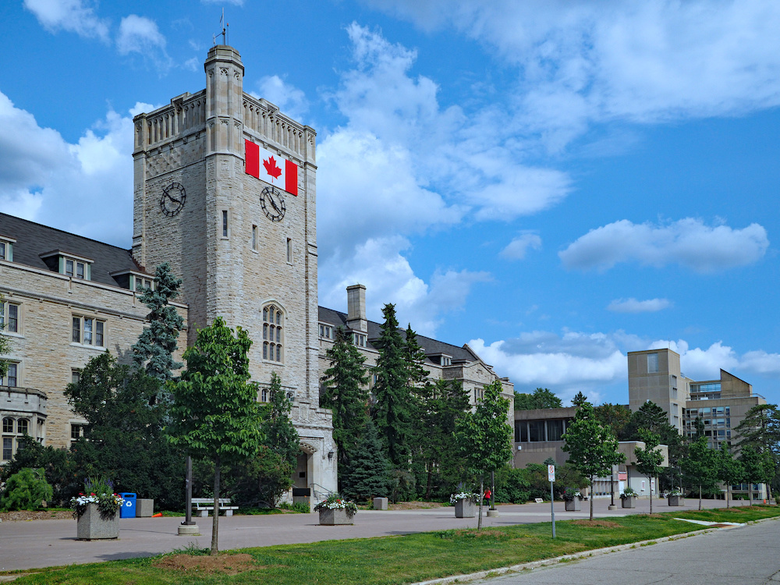 New Analysis Compares Canadian, American Universities