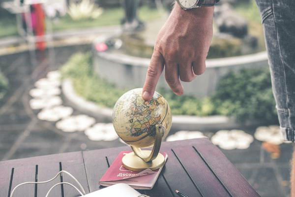 Studying in the U.S. or Abroad: 6 Differences to Know During The Application Process